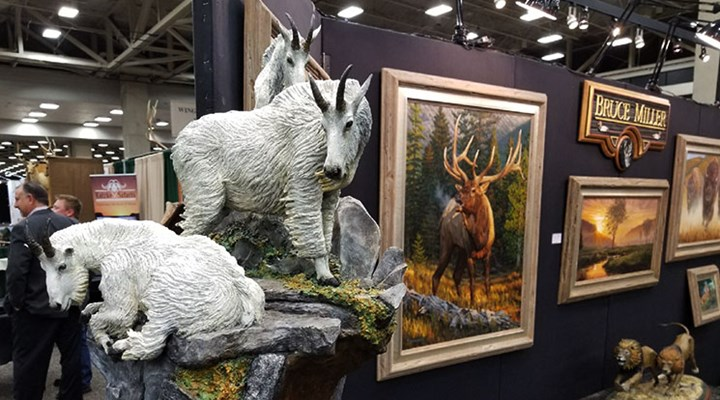 DSC Convention Is Hotspot for Hunters